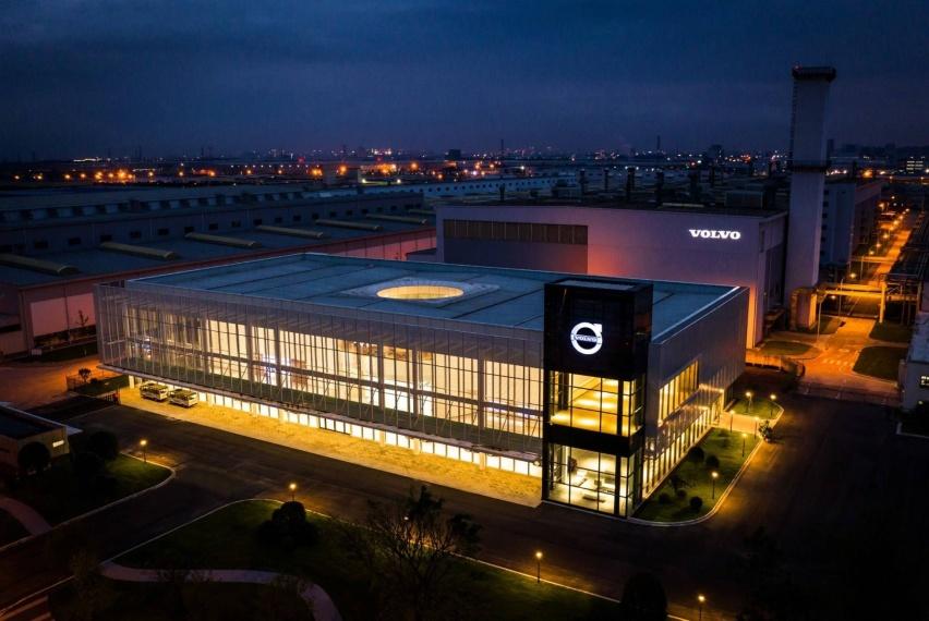 04_通过无处不在的数字化和多媒体交互式体验设计,沃尔沃汽车品牌体验中心(中国)访客满意度高达99%.jpg