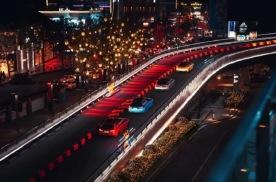 在市中心离开地球表面飙车是什么样的体验?