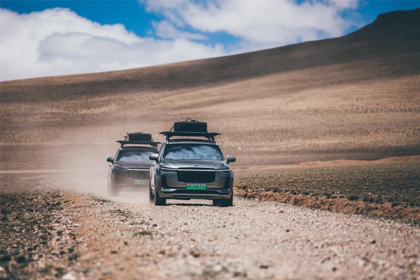 又一国产SUV发飙,5米+6座,32.8万,理想ONE求针对