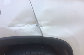 前后门不对称 后门凹进去了可以修复吗?