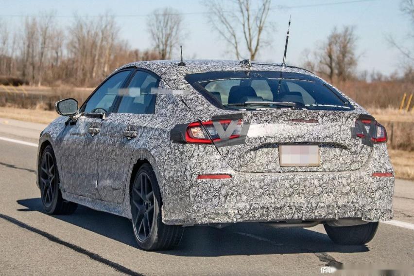 2022-Honda-Civic-10.jpg