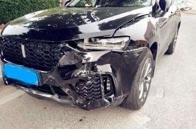 车子发生事故,是应该走保险还是私了?超过多少钱走保险合适?