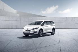枫叶汽车首款换电车型V80上市,售价15.98万
