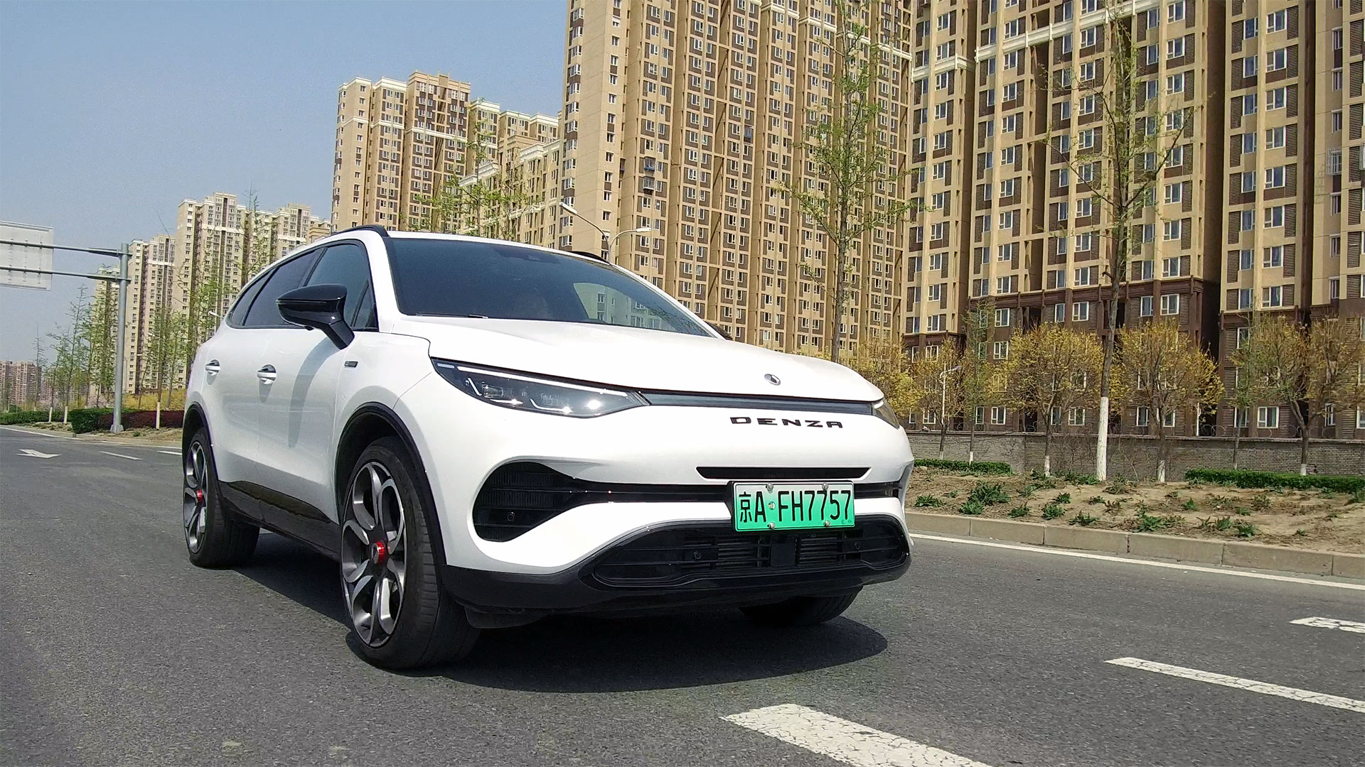分秒试驾:处处有德味儿的新能源大SUV,腾势X开起来感觉值么视频
