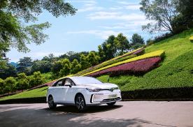 北汽新能源EU5荣获上半年 最佳车型