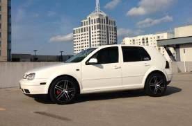 都说买黑色车好看,可为啥满大街都是白色车?