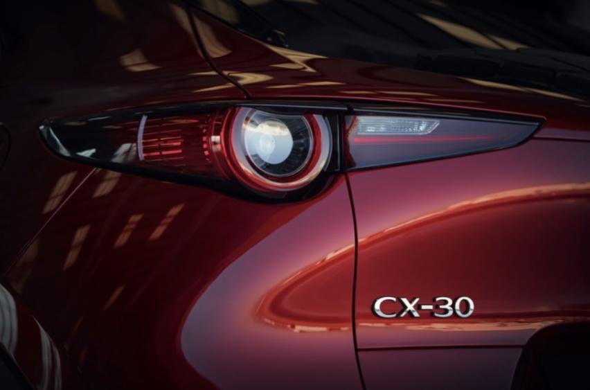操控与空间感如何抉择?长安马自达CX-30表示二者皆要