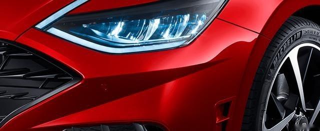 韩系车要翻身了?索纳塔10高调来袭,预售16.48万起,网友:贵了