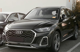 新款奥迪Q5实车亮相,前脸变化明显,大灯更高级,全系配轻混!