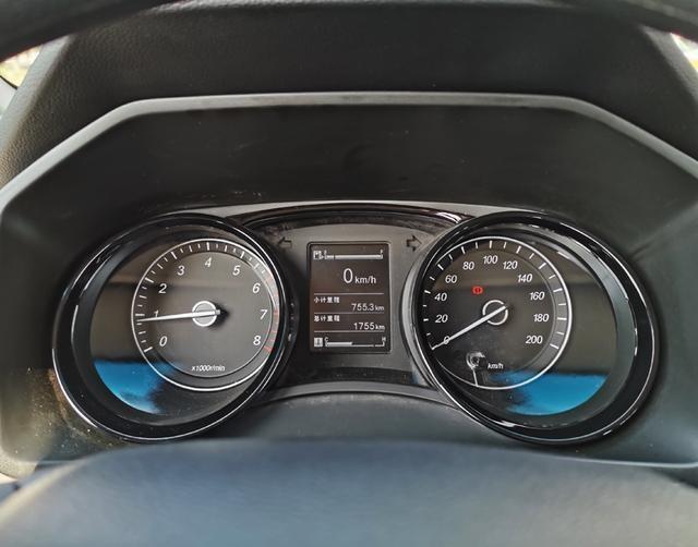 """心目中的""""神车""""AutoDang试驾五菱宏光Plus"""