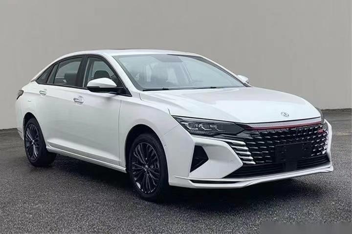 东风风神全新轿车奕炫MAX 预计起售价10万元左右