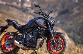 雅马哈美国最火摩托车,2021款MT-07解读,双缸动力67马力