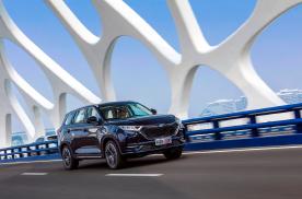 """紧凑级SUV中的""""香饽饽"""",长安欧尚X7凭什么值得后浪们追捧"""