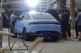 车尾酷似比亚迪秦PLUS,搭激光雷达,小鹏P5实车曝光!