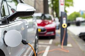 新能源汽车销量去年下半年大幅下降 工信部称今年补贴退坡平缓