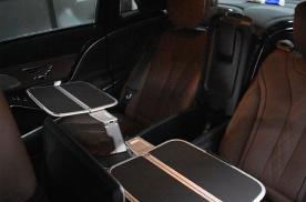 迈巴赫S450五座改装四座 小桌板 这样的头等舱它不香吗