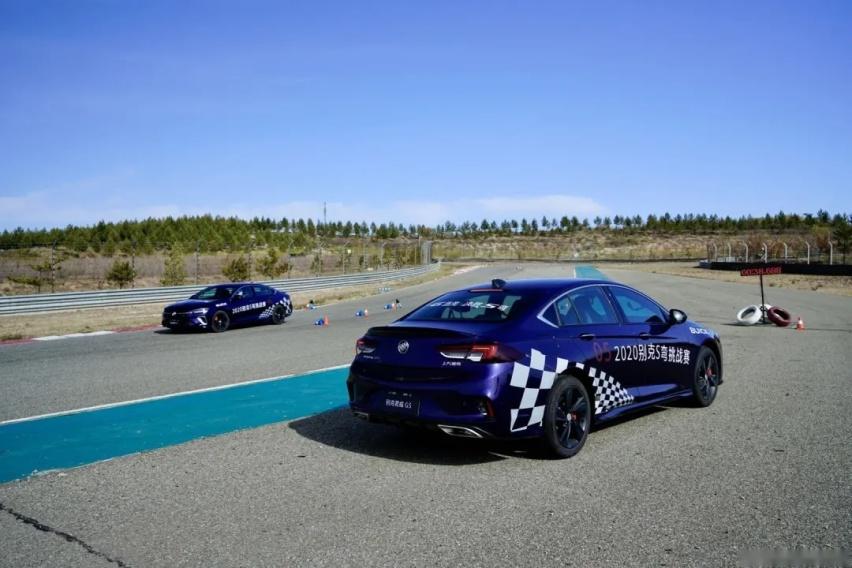 2.0T+9AT、鲍鱼刹车,君威GS让我们知道原厂车能下赛道
