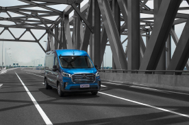 上汽大通MAXUS V90亮相中国智慧交通管理产业联盟年会
