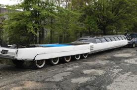 世界上最长的汽车,没想到是一台锈迹斑斑的老车
