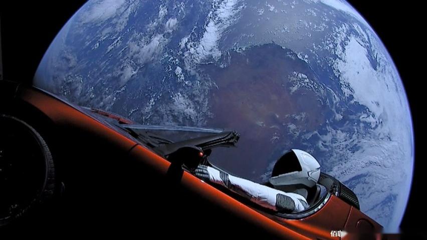 特斯拉跑车Roadster首次近距离接近火星-爱卡汽车爱咖号