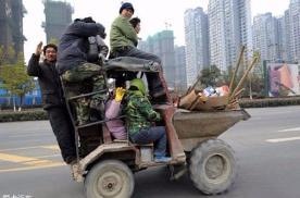 外国人盘点,中国神一样的开车特技,发笑背后引发思考