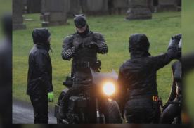 蝙蝠侠2021年电影片场照片曝光:这是一台怎样的蝙蝠摩托车?
