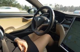 特斯拉一个软件,FSD卖到6万多,这是要买软件送车吗?