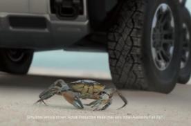 GMC 全电动悍马(Hummer)皮卡 配备螃蟹模式