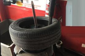 轮胎换好点的还是一般的?网友,看老司机换米其林轮胎就知道了
