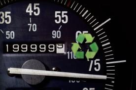 最贵≠最合适!被车主忽略的机油品种:汽车高里程机油