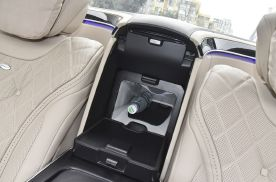 体验高人一等尊贵享受,迈巴赫S450 560加装原厂车载冰箱
