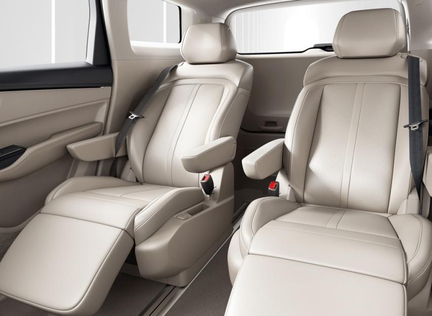 十多万的车也想航空座椅?五菱凯捷安排上,长超4米8,家用舒适