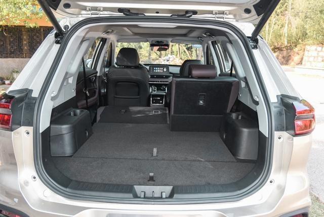 国产中型SUV怎么选?看网红浙江大学教授座驾,爱国还安全