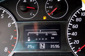 十年老司机竟不懂加油奥义!这个习惯很伤车 碳罐或燃油泵