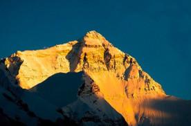 珠峰到底有多高?第三次测量背后有一款中国皮卡也在登高