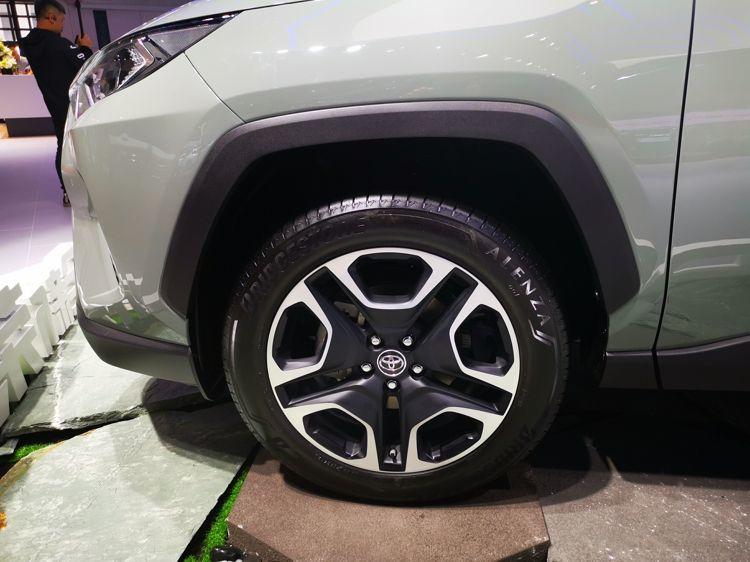 全新RAV4亮相上海车展