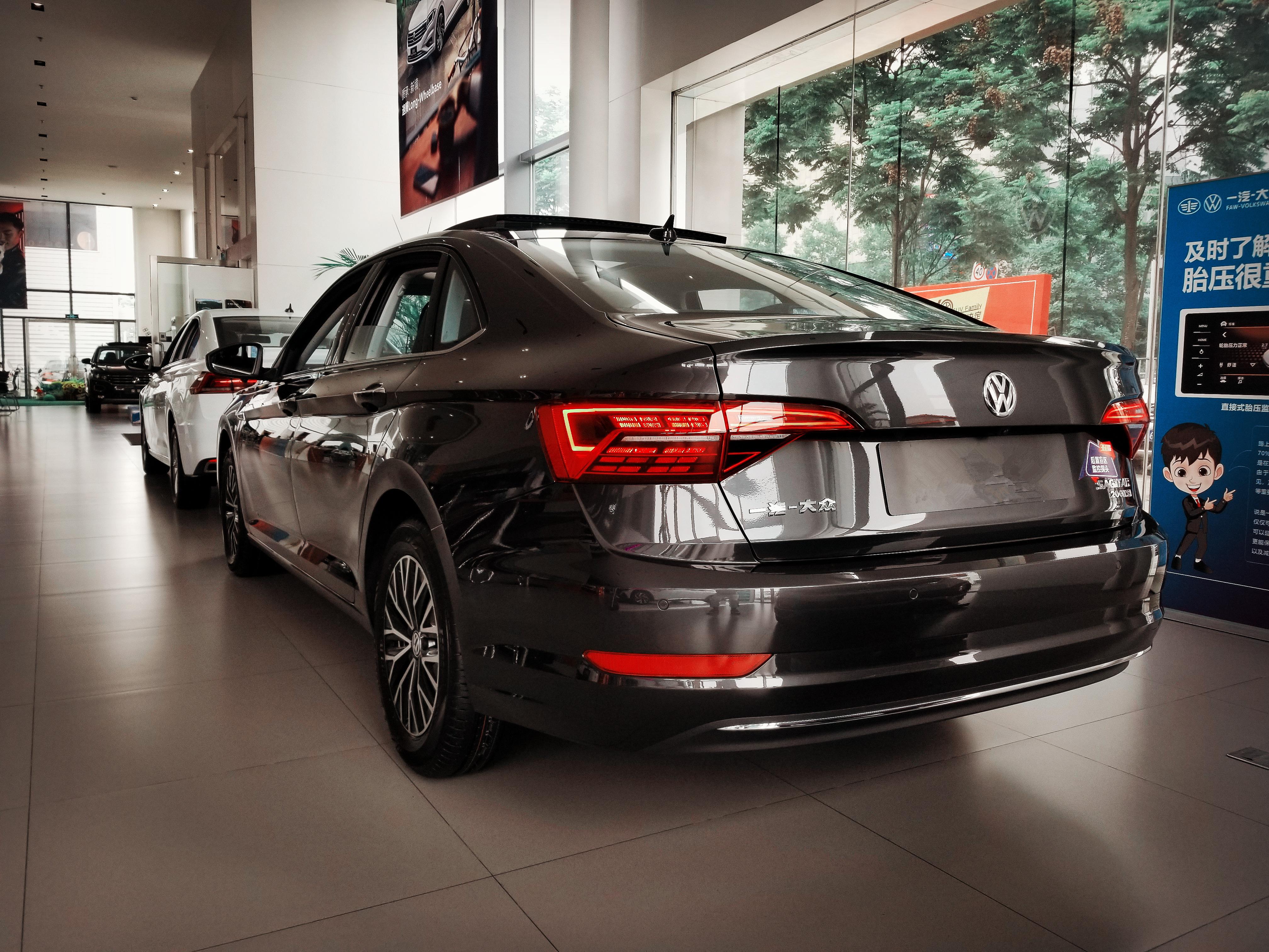 德系销量第三!速腾降幅达3.5万,血统更纯粹,还是卖不过特供车