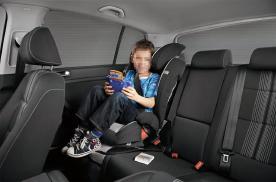 驾车带娃出行,这几个安全细节要注意,别让无知害了孩子