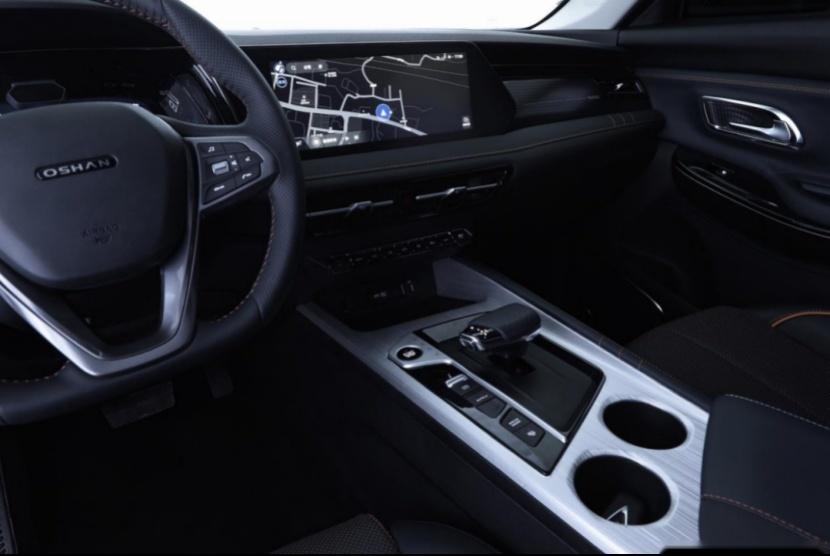 【新闻稿】长安欧尚X7 PLUS外观+内饰的曝光,定义12-15万级别PLUS车型新标准3081.png