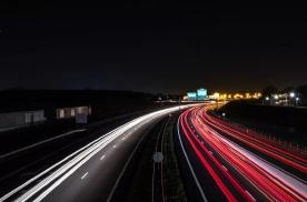 德国高速为什么不限速?国内为何不行?哪样更安全?