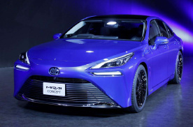 强大的丰田 不止你所见!首款氢能车丰田Mirai接近实用化!
