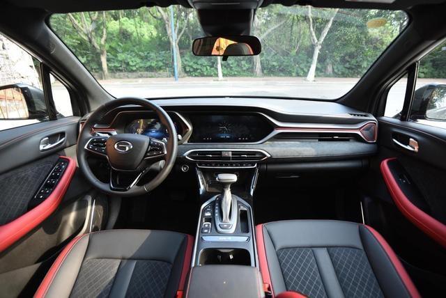 把每一丝褶皱熨平,是对自己最大的尊重—静态体验传祺GS4 Coupe