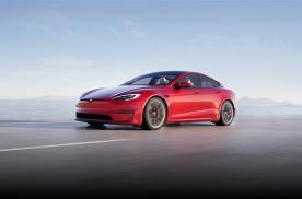 特斯拉Model S内饰大革新,搭赛车式方向盘,后排增液晶屏