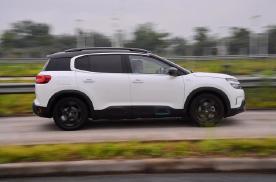 四驱+独悬,这款7秒破百的法系SUV究竟用了什么黑科技?