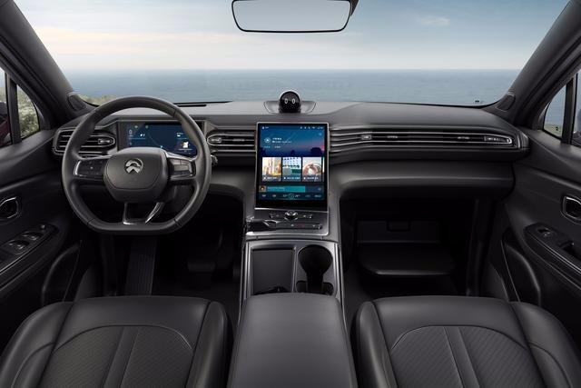 蔚来第二款量产SUV强势面世,续航高达510千米,让人心动不已