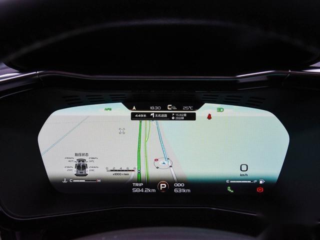 《囧妈》中出现的那台吉利SUV,百公里加速6.8秒,不到14万起