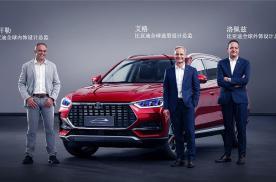 全球首款量产渐变内饰、同级最宽SUV,宋PLUS上市