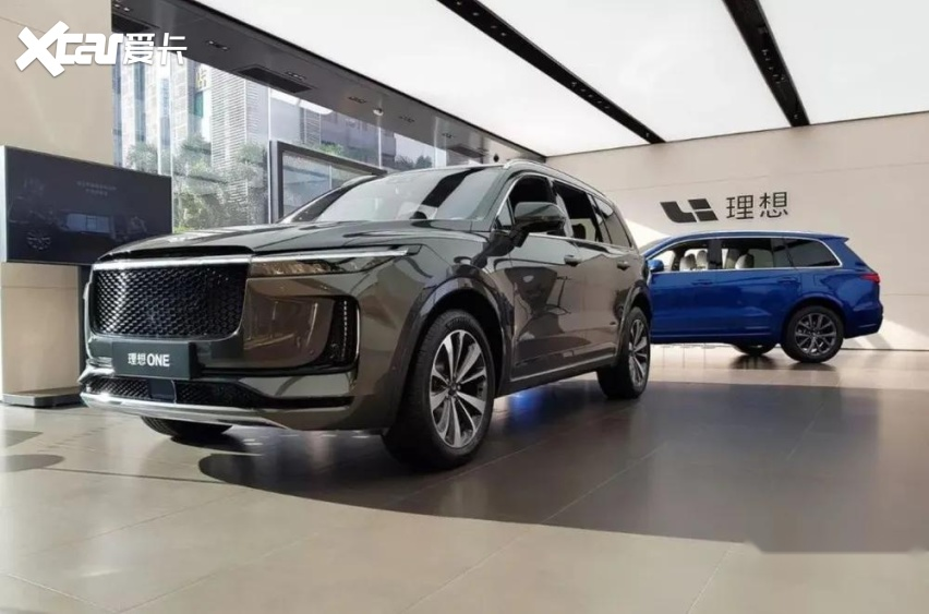 理想汽车首次季度盈利,现金流近300亿元
