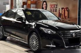 2018款丰田皇冠可以全景监控,价格也适合