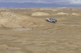 自驾坦克300到魔鬼城冲沙,身子骨差点散架了!